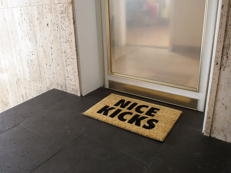 needmore-nice-kicks-doormat-02_sh