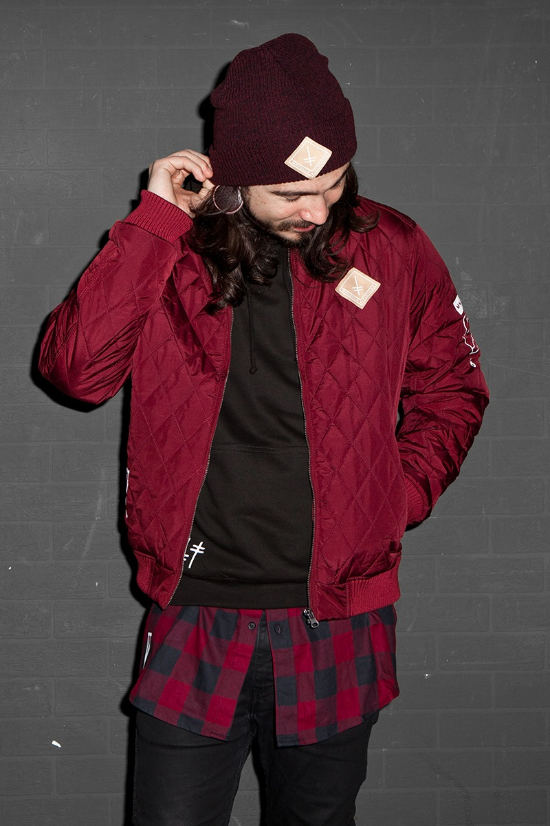 mndl_blood_outfit_sh